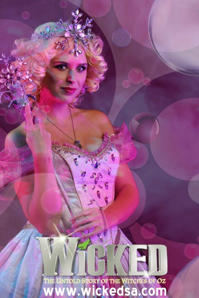 Glinda Fan Card - 1